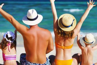 Famille en bord de plage